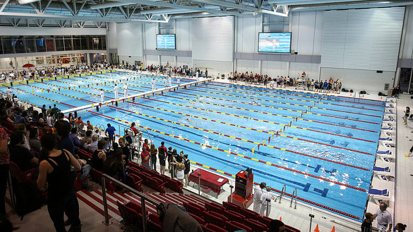 Installations rouge et or de l 39 universit laval for Piscine universite laval